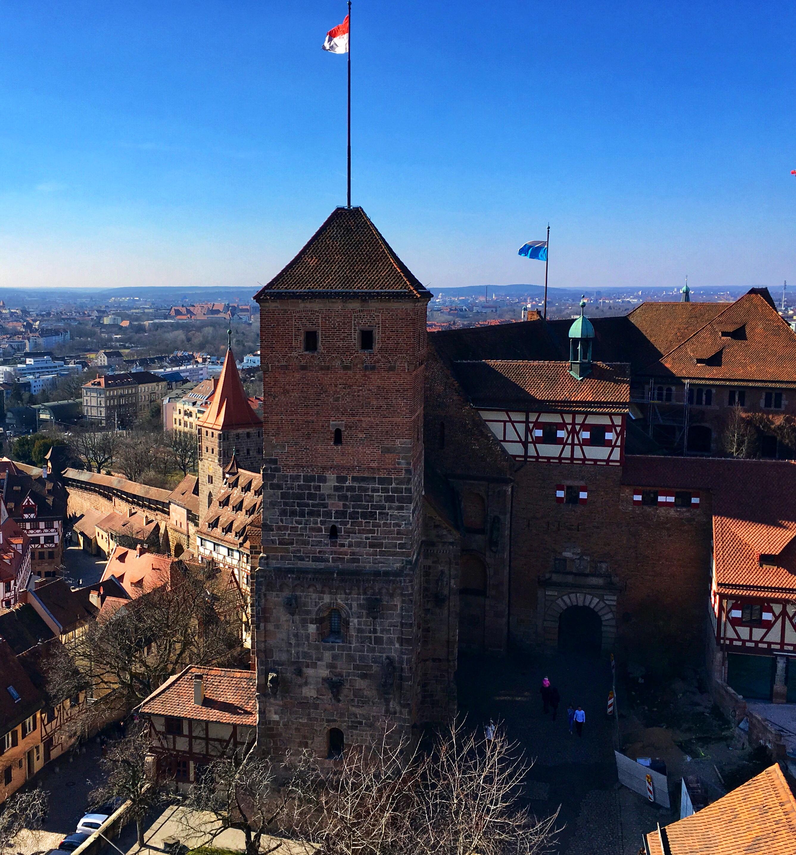 Citytrip Nürnberg –  48 Stunden Tiefgang: Kritische Geschichte, Kunst, Kultur und klirrende Kälte