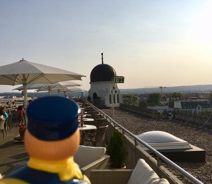 Dresden mal anders: Schwerelos schweben und Eistee auf der Zigarettenfabrik